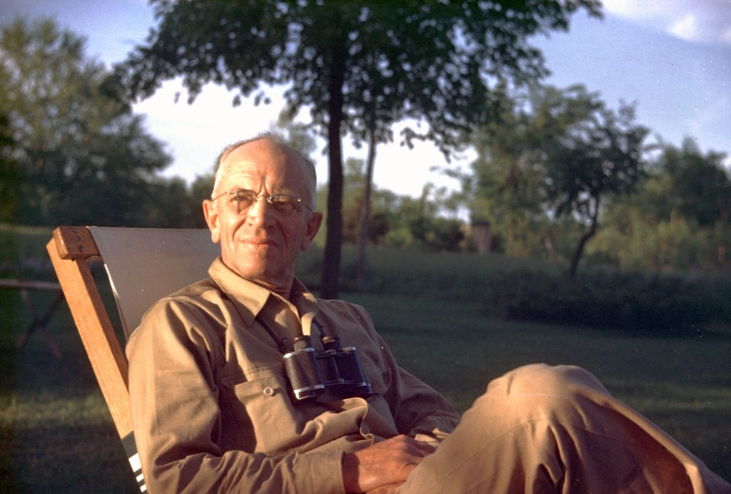 aldo leopold essays Commentary on the sand county almanac by aldo leopold - the sand county almanac aldo leopold was born in 1887 and was raised in burlington, iowa he did a lot of work.