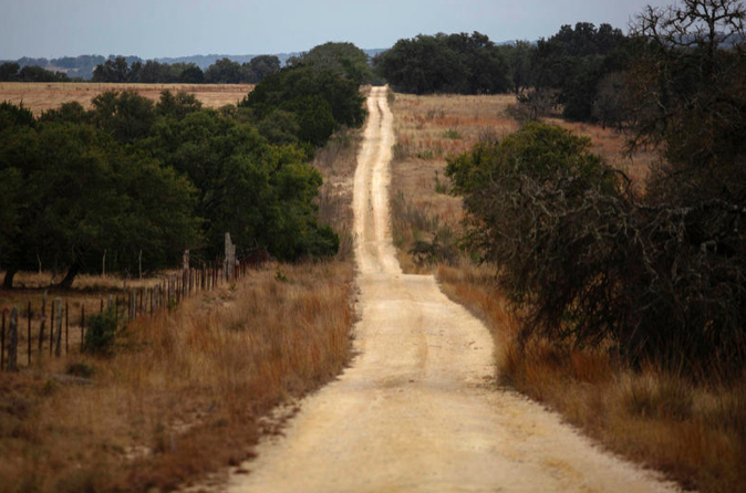 Central Texas pipeline reignites fight over land rights