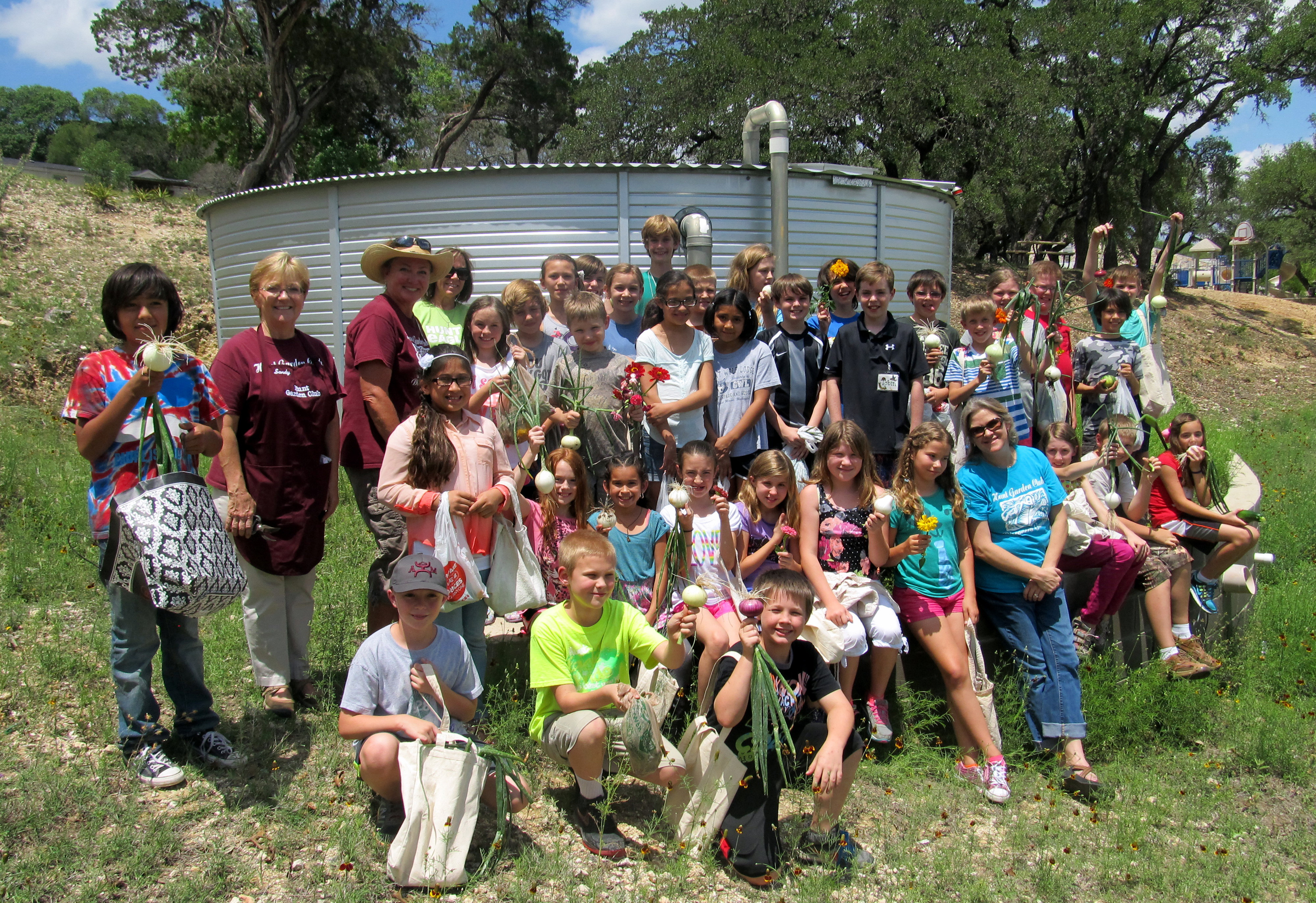 2014 Rainwater Tank With Students