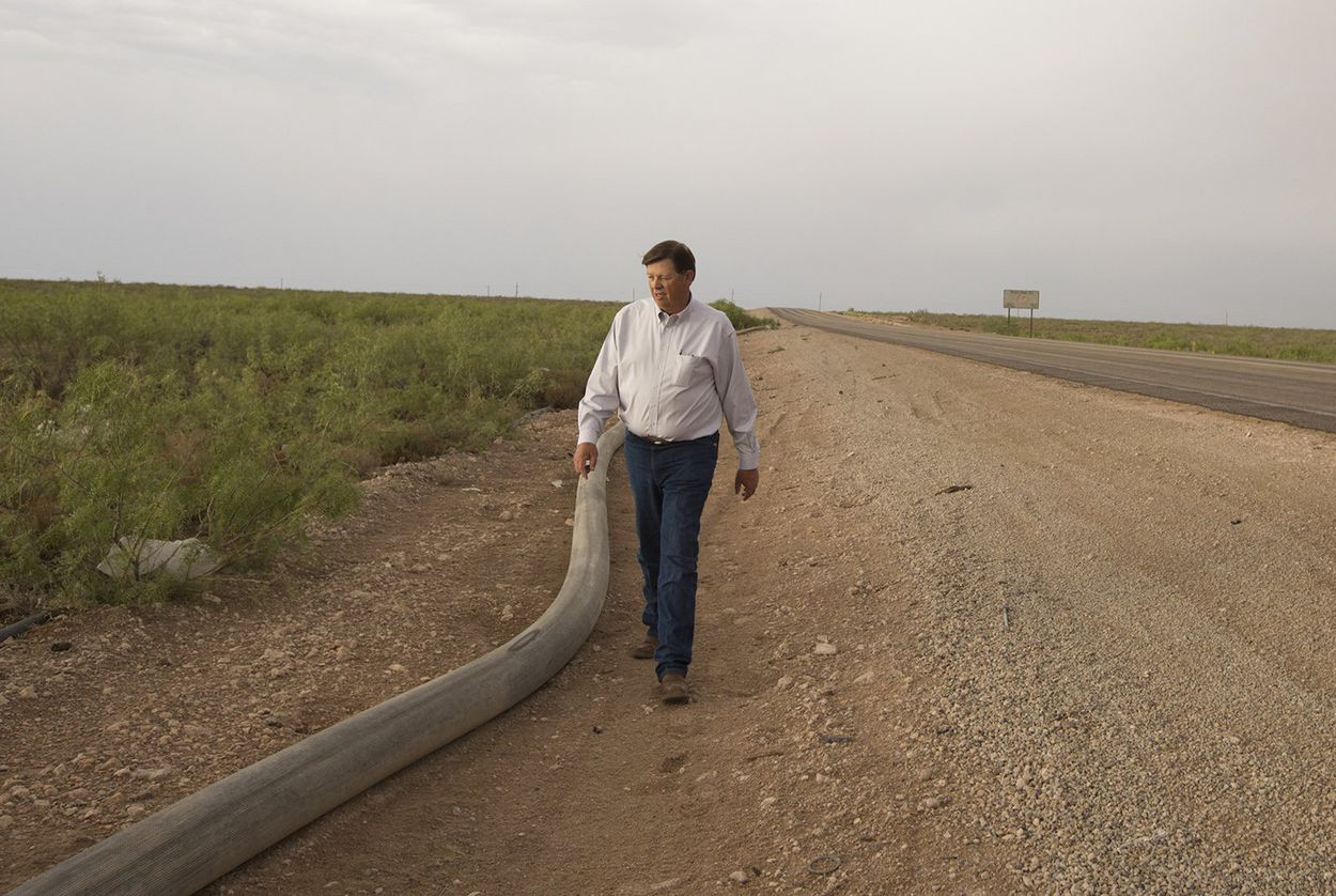 "New Mexico official says Texas landowners are ""stealing"" millions of gallons of water and selling it back for fracking"