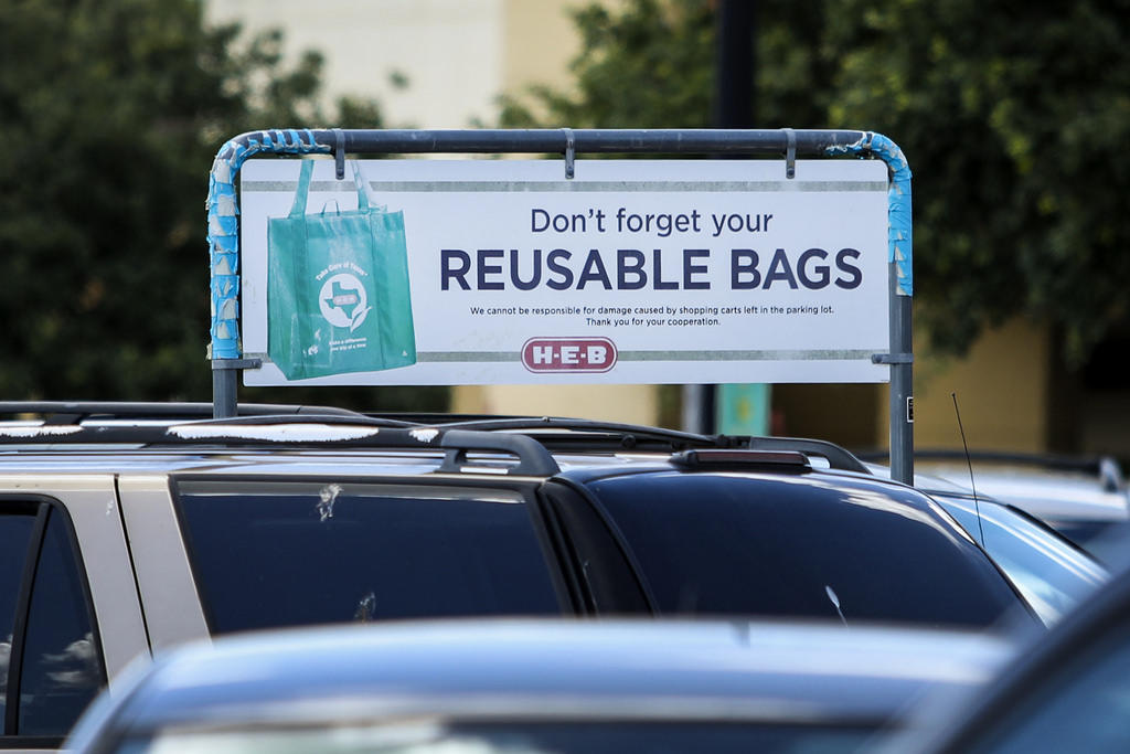 Will Austin stores restock single-use plastic bags now that the city's ban is lifted?