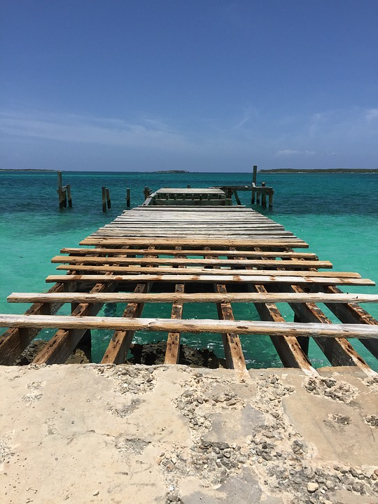 'Endless source of water': Texas man plans to take machine to Bahamas to aid recovery